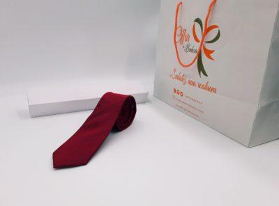 Cravate motif faux uni (tu / rouge)