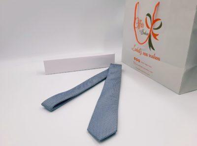 Cravate a motif géométrique